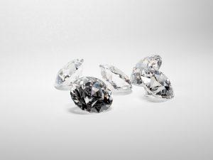 יהלומים עבור החתונה שלך: מגמות אחרונות עבור היום הגדול